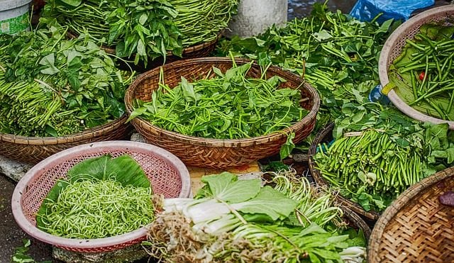 Use of herbs and spices for food