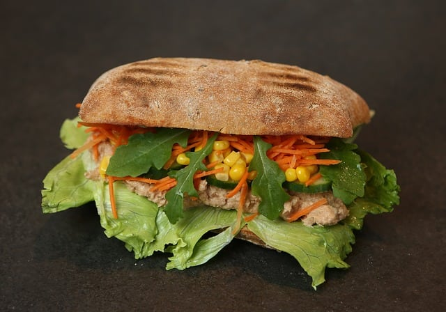 Sandwich with canned tuna