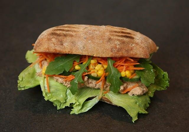 Sandwich with canned tuna