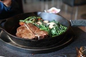 Steak's recipe - how to cook: measure the temperature