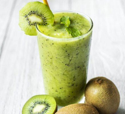Kiwi Cocktail with Bananas and Apples